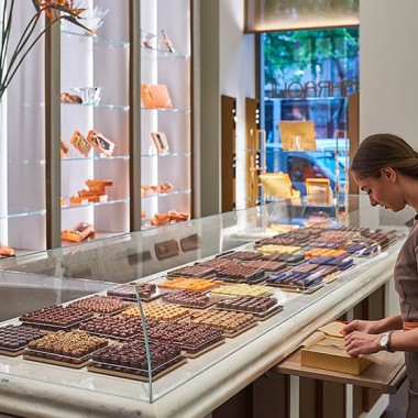 GHRAOUI_Boutique_Luxury_Chocolate_Shop_Budapest_Hungary_Opening